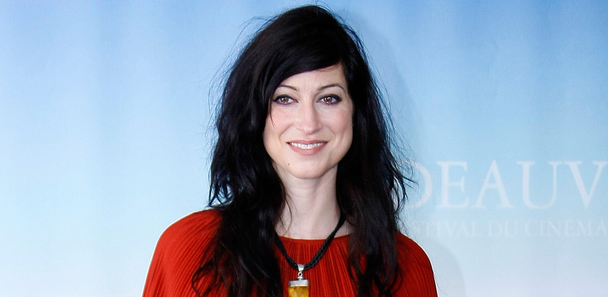 "U.S. Director Floria Sigismondi during a photocall for the movie ""The Runaways""  at the 36th American Film Festival, Saturday, Sept. 4, 2010, in Deauville, Normandy, France. (AP Photo/Michel Spingler)"